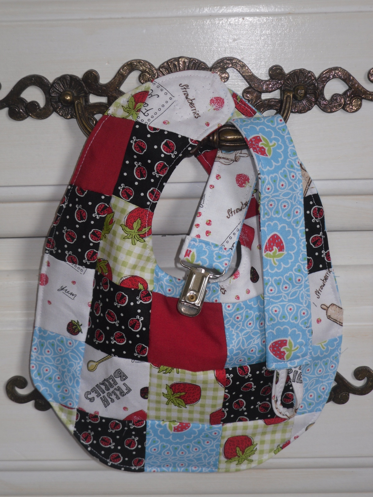 Scrappy Sewing Saturdays: Bib and Soother Clip